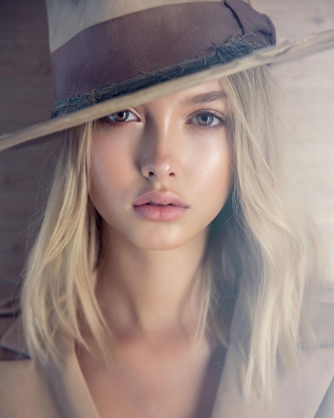 Chloe-Margaux-4
