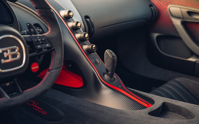Premiers trajets en Bugatti Chiron Pur Sport 45-36-pur-sport-first-drives-jet-grey