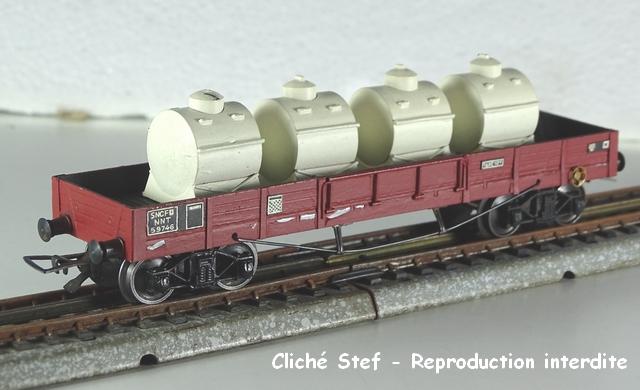 Wagons plats à bogies maquette et semi maquette chargés VB-plat-TP-bogines-lie-de-vin-containers-lait-DSC00046-R