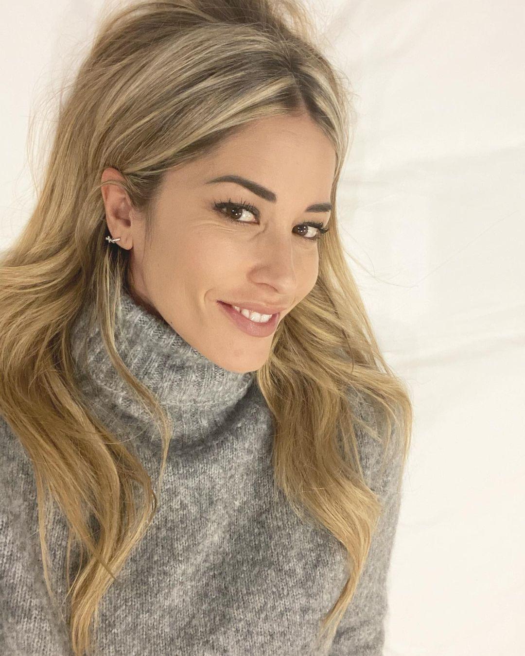 Elena-Santarelli-Wallpapers-Insta-Fit-Bio-11