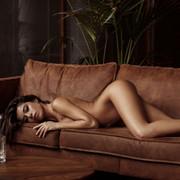 Chiara-Bianchino-Gentlemens-Club-by-Hannes-Walendy-14