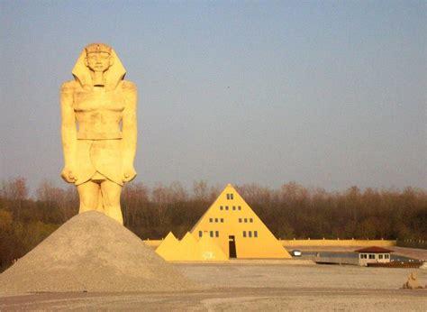 The-Golden-Pyramid-Illinois.jpg
