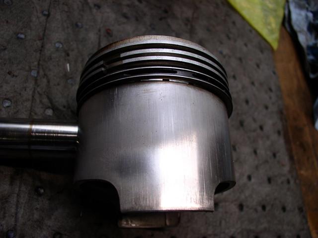 V7 Sport engine teardown 8