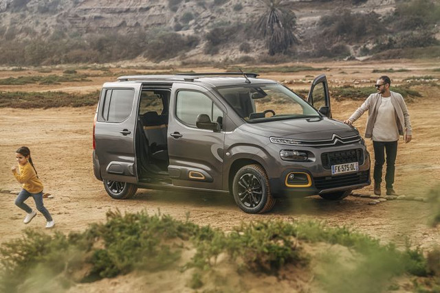 2018 - [Peugeot/Citroën/Opel] Rifter/Berlingo/Combo [K9] - Page 8 D679-EAC7-CEE0-48-CA-BF66-347-CDAB0130-A