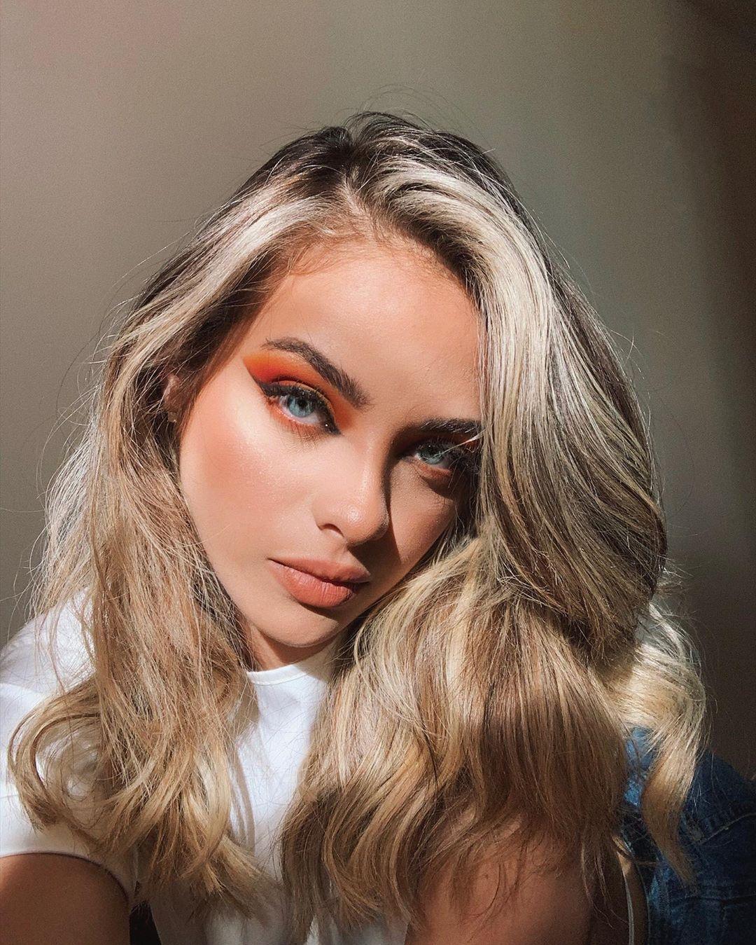 Daniela-Acuna-Macias-Wallpapers-Insta-Fit-Bio-6