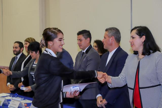 Graduacio-n-Quiroga2019-30
