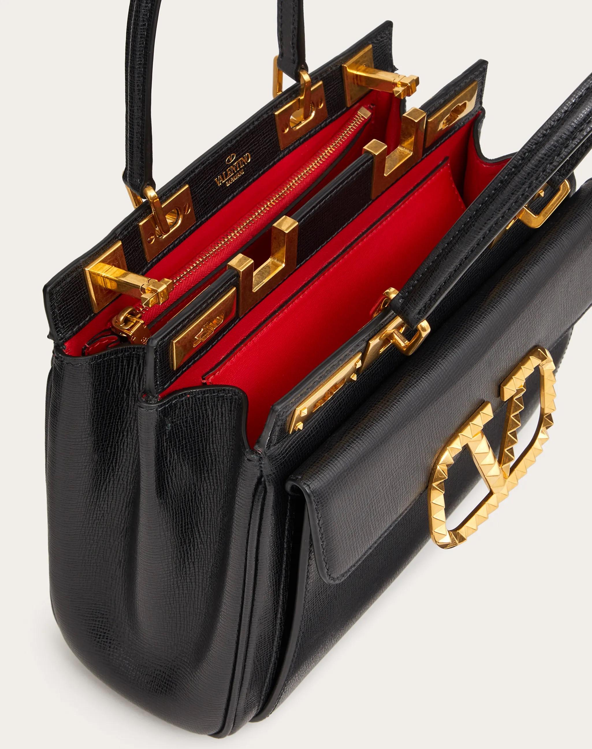Valentino Garavani Rockstud Alcove double handle bag, il making of