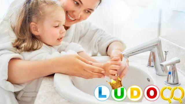 Tips Memilih Perlengkapan Mencuci Tangan untuk Anak