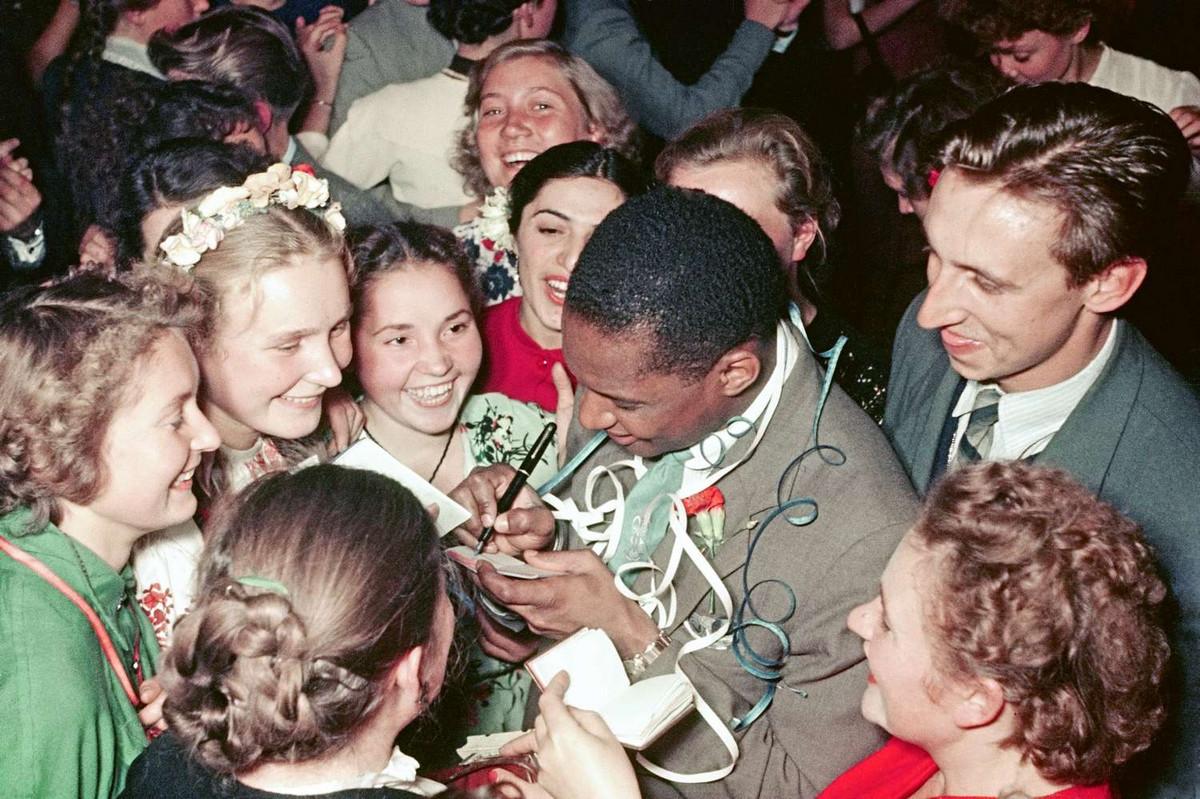 festival molodezhi studentov Moskva 1957.jpg 5