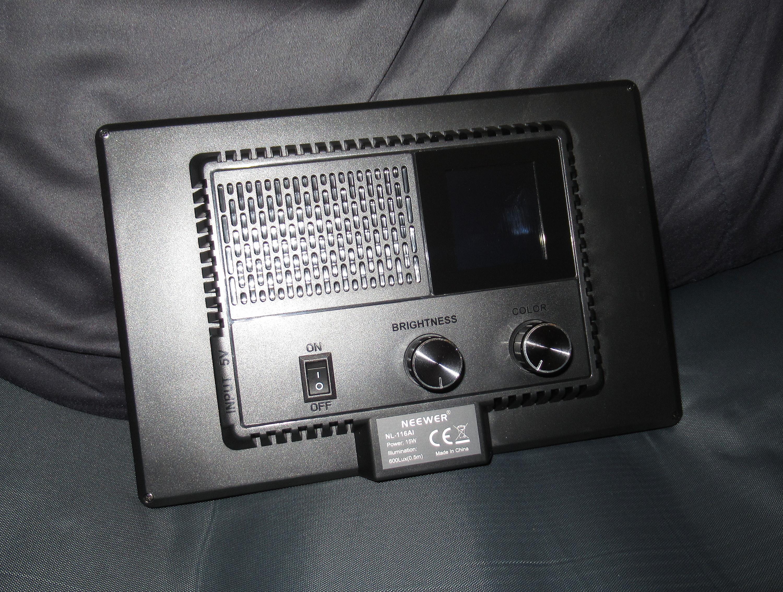 Neewer 116AI 15W LED Soft Light
