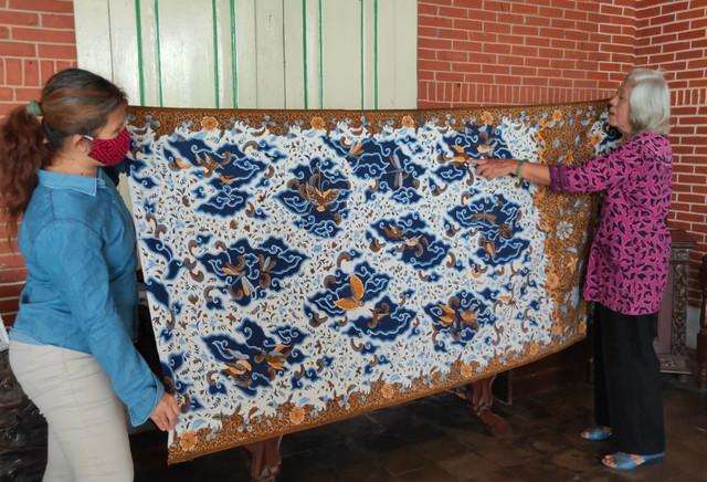 batik-peranakan-Cirebon-Mega-mendung