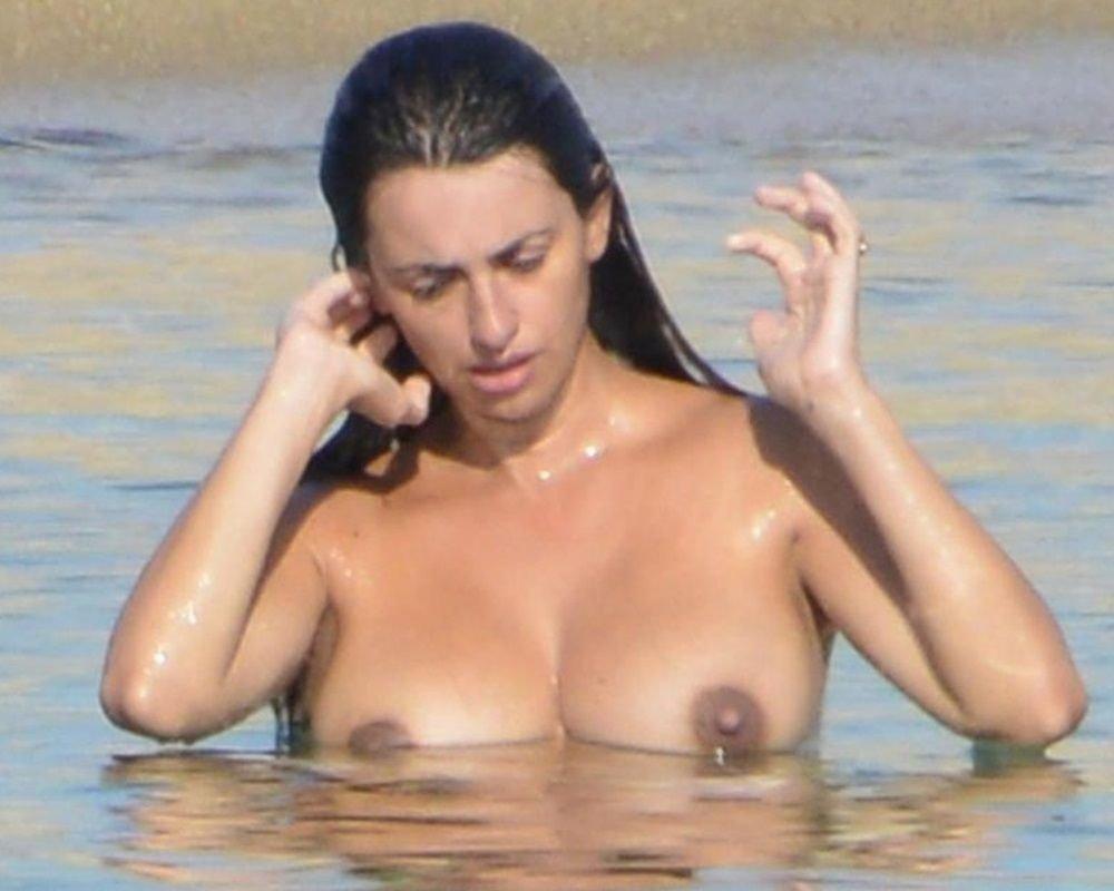 penelope-cruz-nude-The-Fappening-Blog-com-17