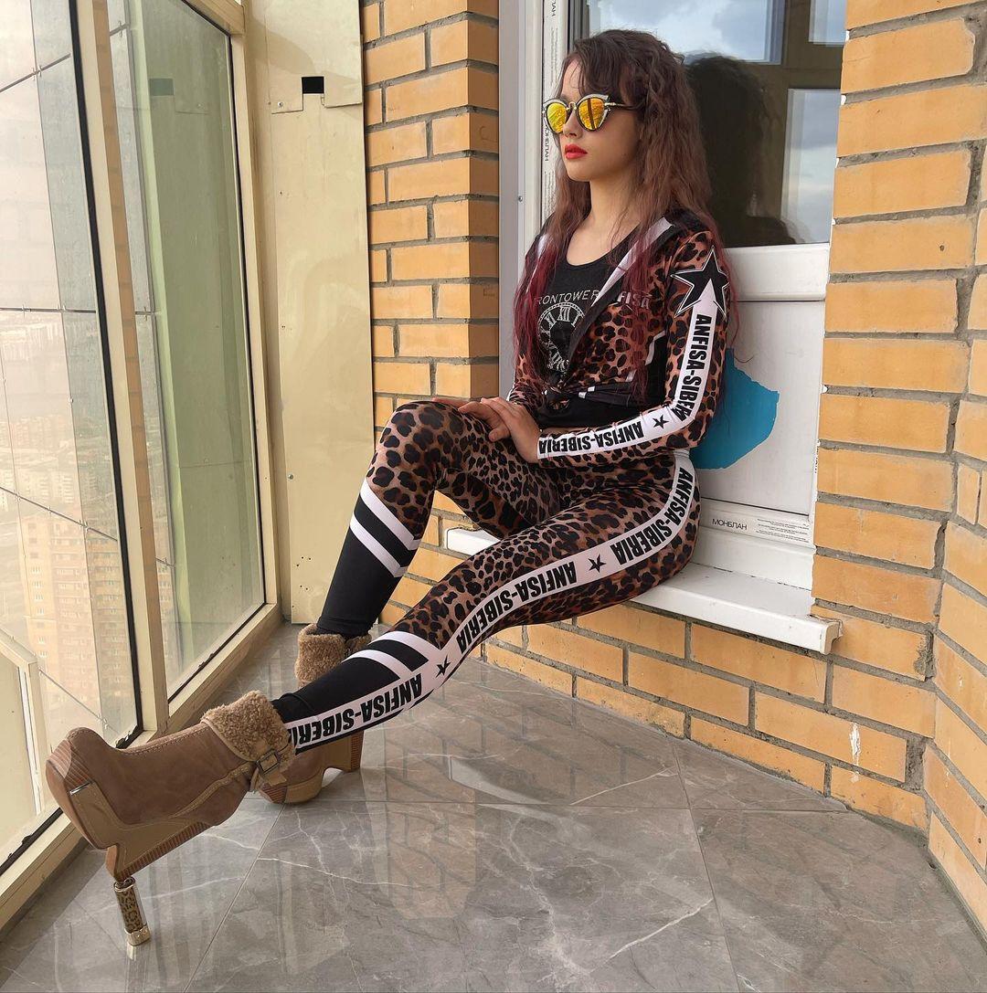 Anfisa-Siberia-Wallpapers-Insta-Fit-Bio-3