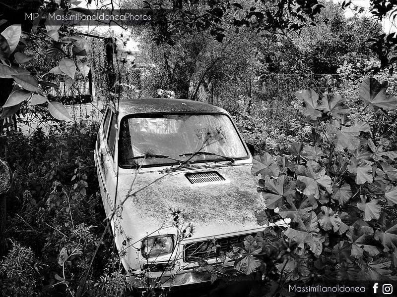 Auto Abbandonate - Pagina 10 Fiat-127-2