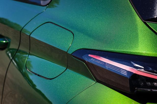 2021 - [Peugeot] 308 III [P51/P52] 2-F5514-C9-A9-AB-42-A0-9-BDA-E01-EADFB69-C2