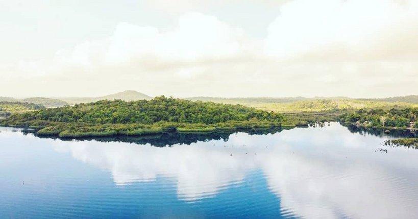 Dingin Sejuk Wisata Danau Laet di Sanggau - Brisik ID