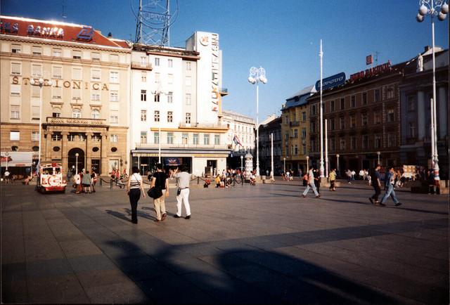 14-Europski-dom-pogled-s-Trga-bana-Jela-i-a-u-Zagrebu