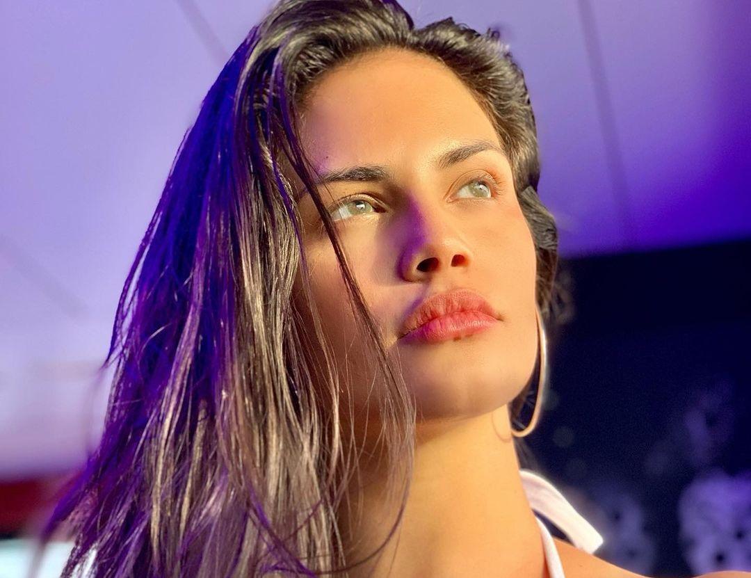 Marcela-Bessi-Wallpapers-Insta-Fit-Bio-9