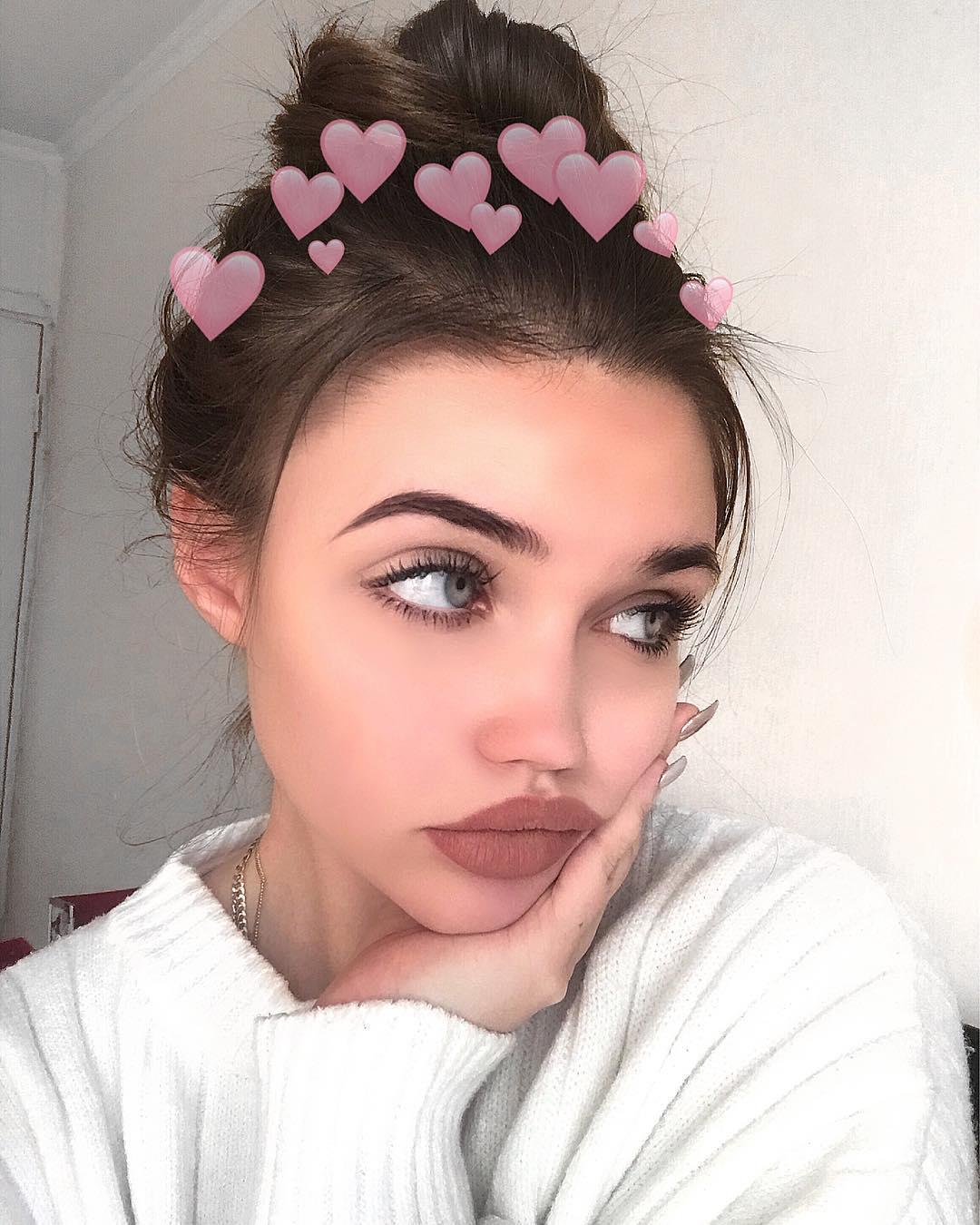 Eliza-Kayudina-Wallpapers-Insta-Fit-Bio-17
