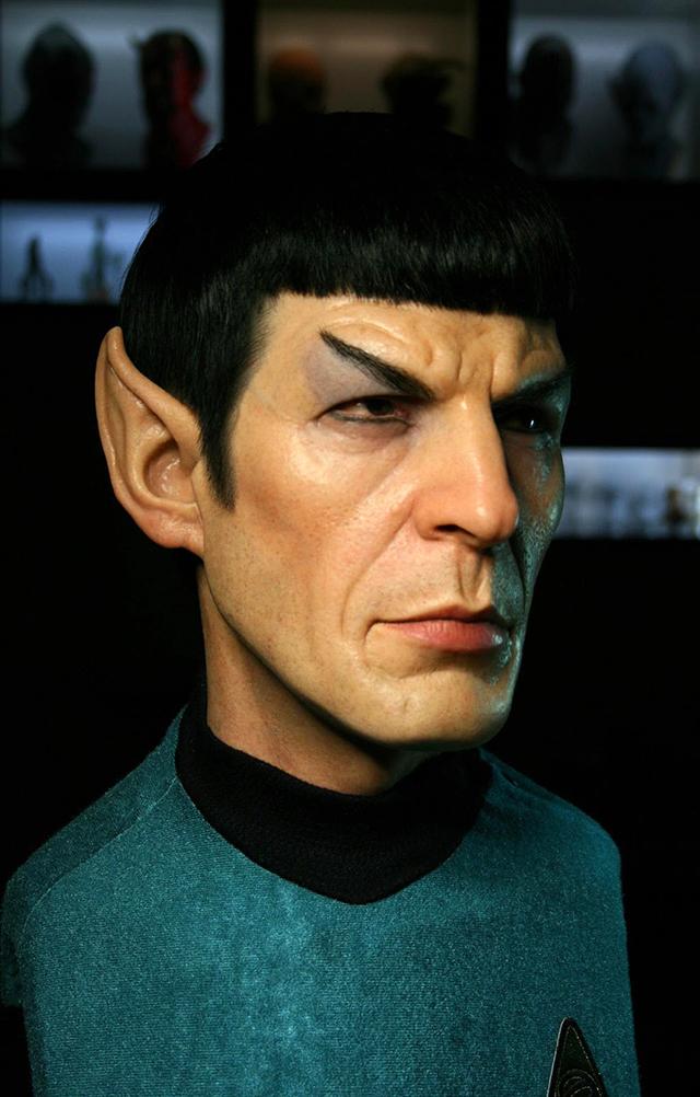 Sculpture-hyperrealiste-Spock-Star-Trek-2