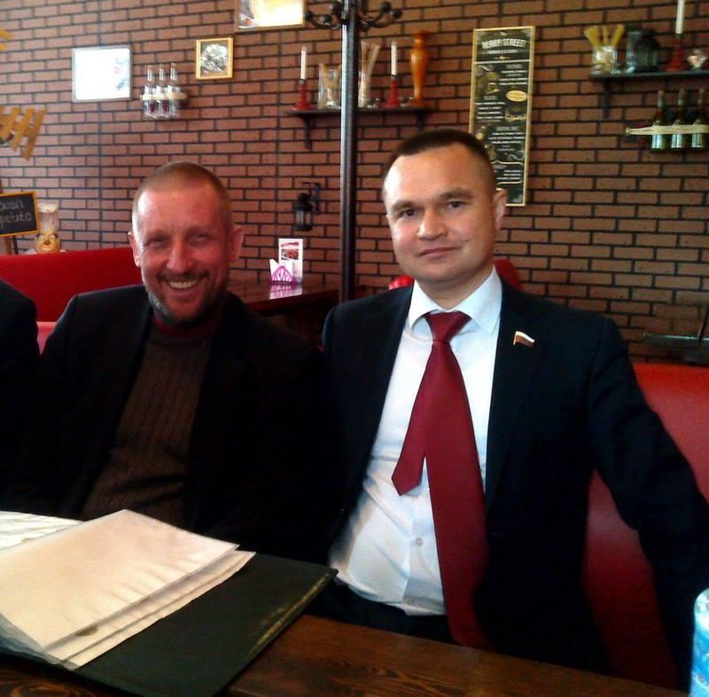 данная фотография политиков находится в публичном доступе и была опубликована в газете Голос правды в Волжске