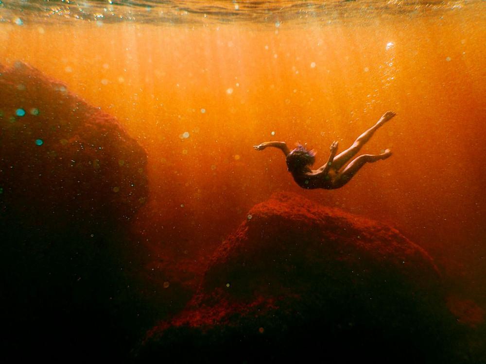 nyu-pod-vodoy-fotograf-Keyt-Bellm 14