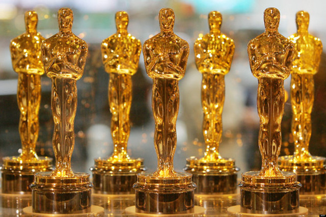 Oscar-statuettes-are-displayed-at-Times-Square-Studios-23-January-2006-in-New-York-The-statuettes-wi.jpg
