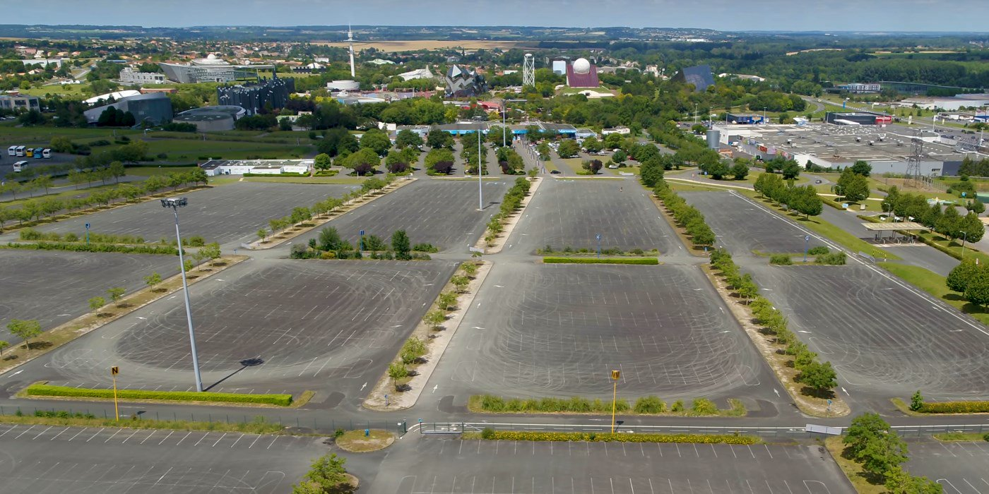 Parking voitures Dm5-SG95-Xg-AAYM-z-format-jpg-name-large