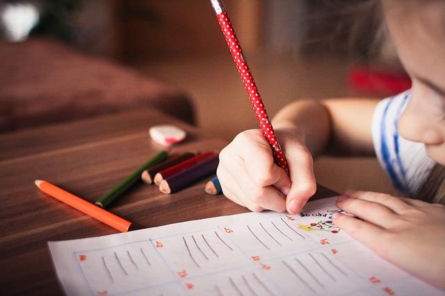Biasakan-Anak-untuk-Menulis-Eureka-Blog