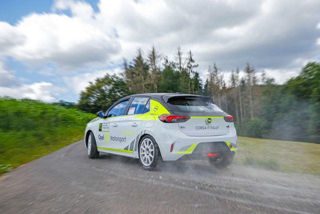 Opel Corsa-e Rally : priorité à la sécurité 07-Opel-Corsa-e-Rally-512411