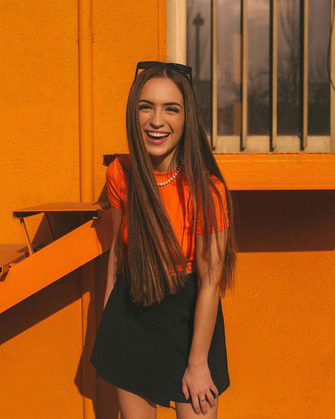Lidia-Rauet-Wallpapers-Insta-Fit-Bio-1