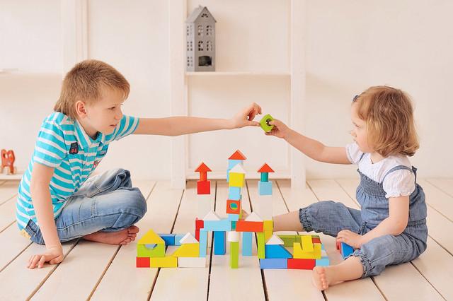 Воспитание в играх: особенности и значение