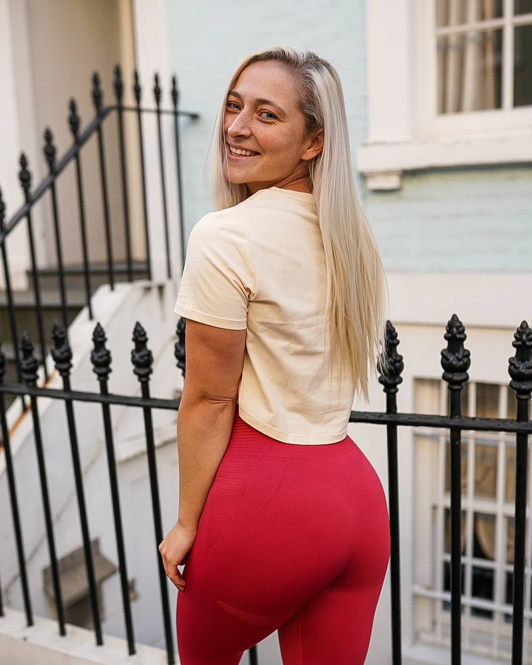 Maddy-Gayton-Wallpapers-Insta-Fit-Bio-2