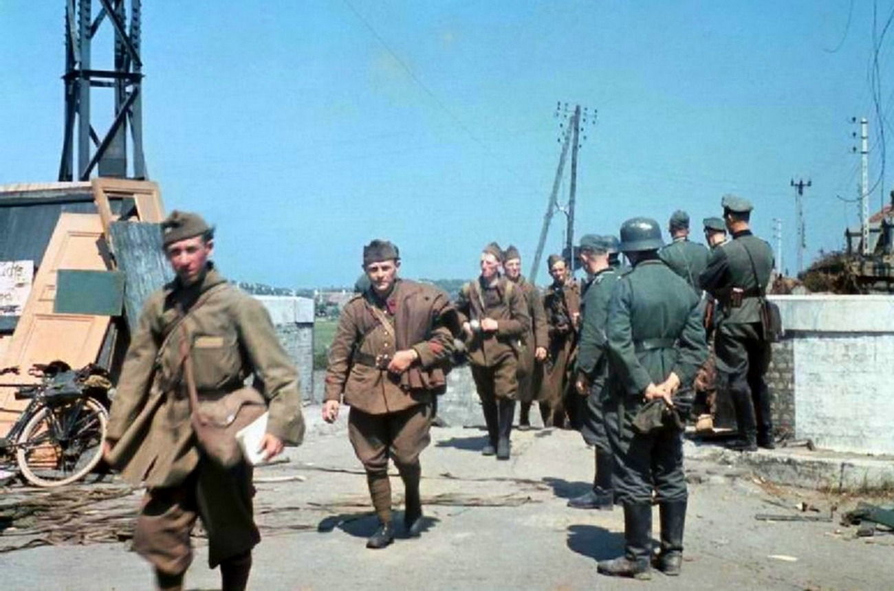 The Wehrmacht in Dunkirk. June 1940. Photo by Hermann Weper. Photo in color