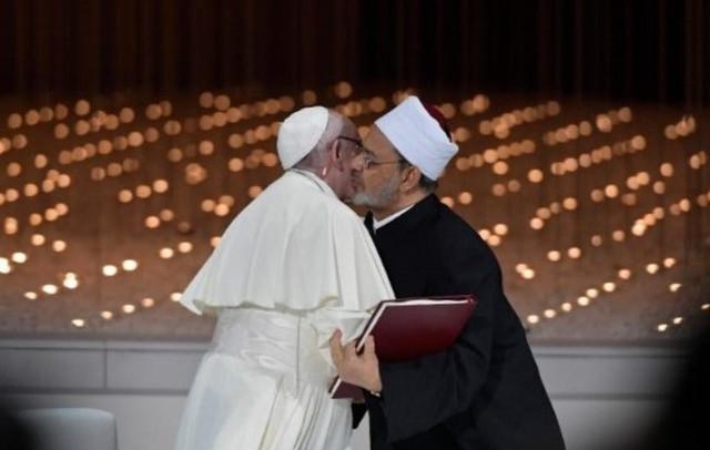 O-Papa-Francisco-e-o-Grande-Imame-de-Al-Azhar-1200x762-c-1