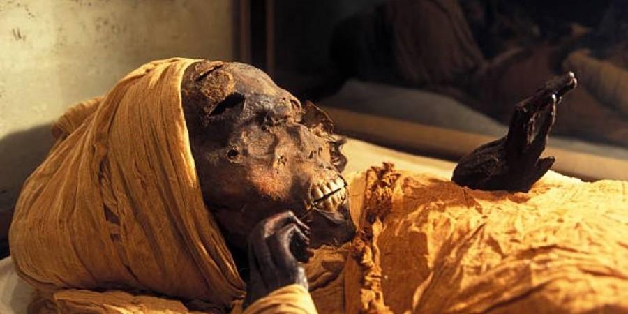VIDEO: Cosa dice la tomografia di un faraone decapitato 3500 anni fa