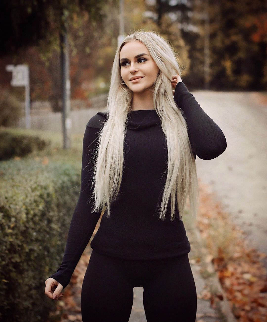 Anna-Nystrom-Wallpapers-Insta-Fit-Bio-2