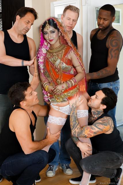 Sonarika Bhadoria Nude Fakes XXX