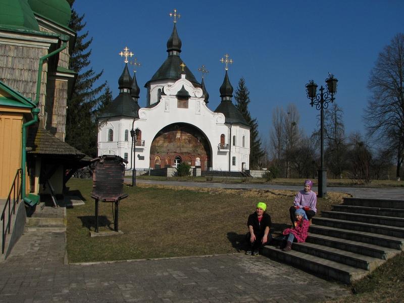 Вид на церкву св. Георгія Переможця (поч. XX ст.)