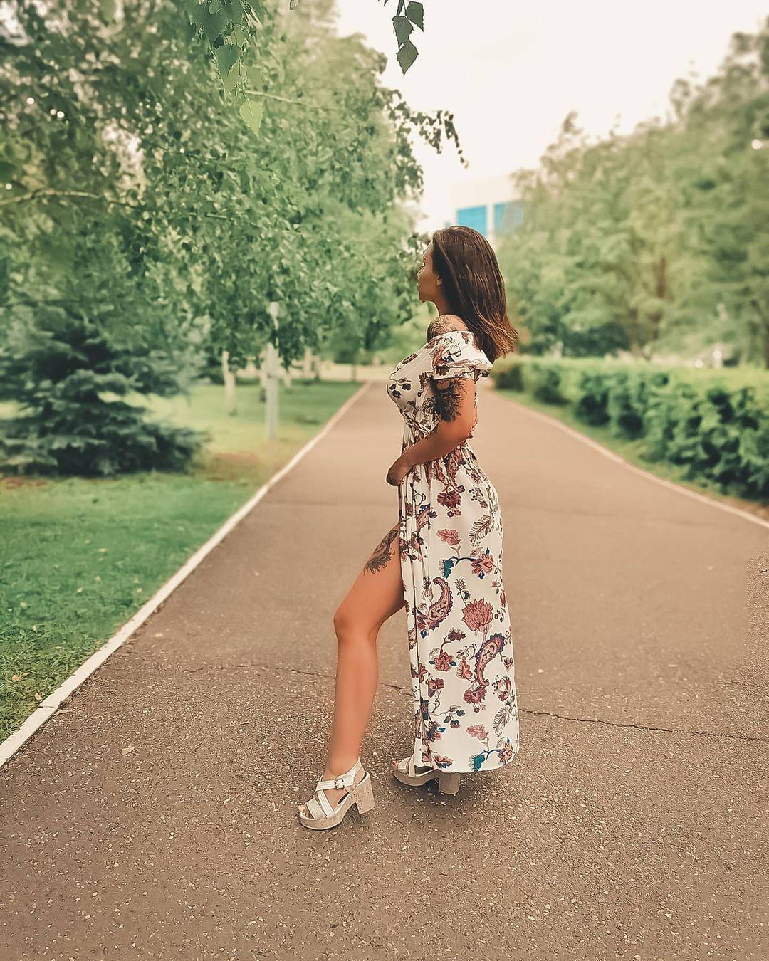 Anastasia-Nikolskaya-Wallpapers-Insta-Fit-Bio-2