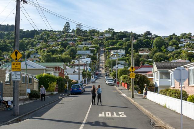 Christchurch-Dunedin-Queenstown-Tour-Baldwin-Street