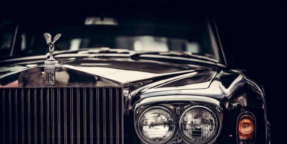 Beli Hunian Ini Gratis Lamborghini dan Rolls Royce Rp11 Miliar
