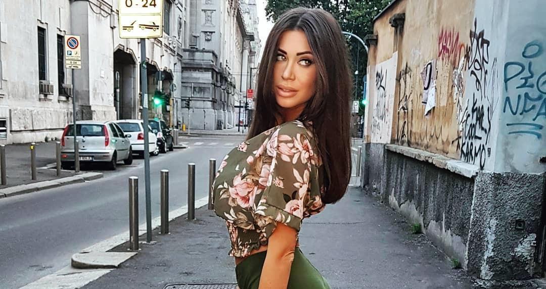 Sofia-Barbieri-Wallpapers-Insta-Fit-Bio-8
