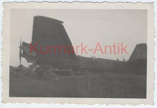 R746-Foto-Wehrmacht-Ukraine-Charkow-Beute-Bomber-plane