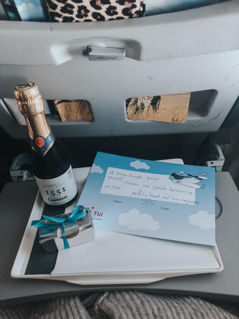 tui-vliegtuig-verjaardag
