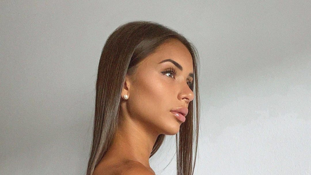 Genissa-Gonzalez-Wallpapers-Insta-Fit-Bio-4