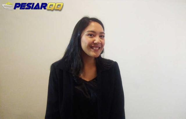 Putri Tanjung Belajar Mandiri Sejak Kecil