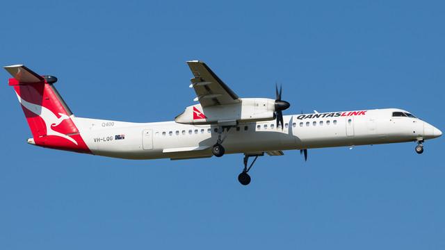 Qantaslink-Q400-VH-LQG-Town-of-Exmouth-090119-V2