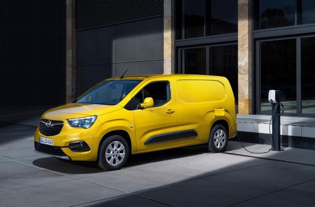 Electrique et pratique : le nouveau fourgon compact Opel Combo-e Cargo Cargo 05-Opel-Combo-e-Cargo-514053