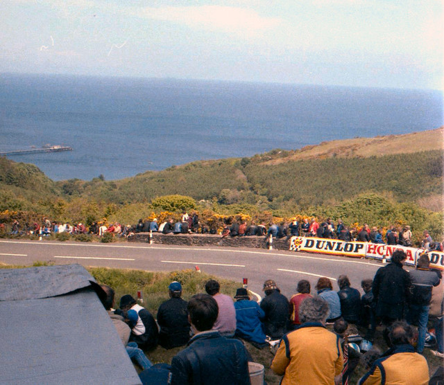 [Image: 1984-Isle-of-Man-View-of-track-and-spectators.jpg]